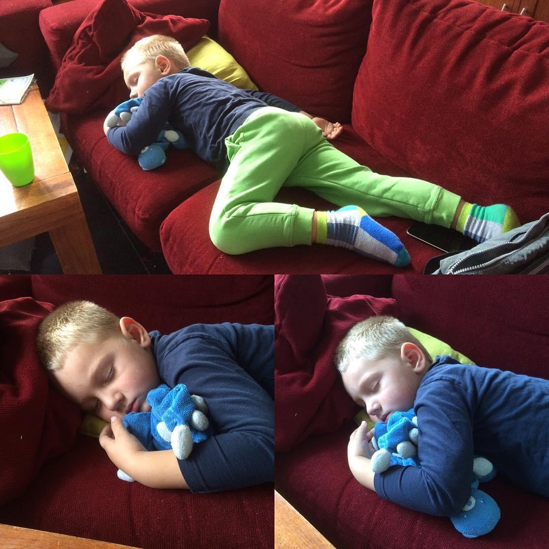 #goedemorgen365 in #slaap gevallen tijdens het #TVkijken #middagslaapje