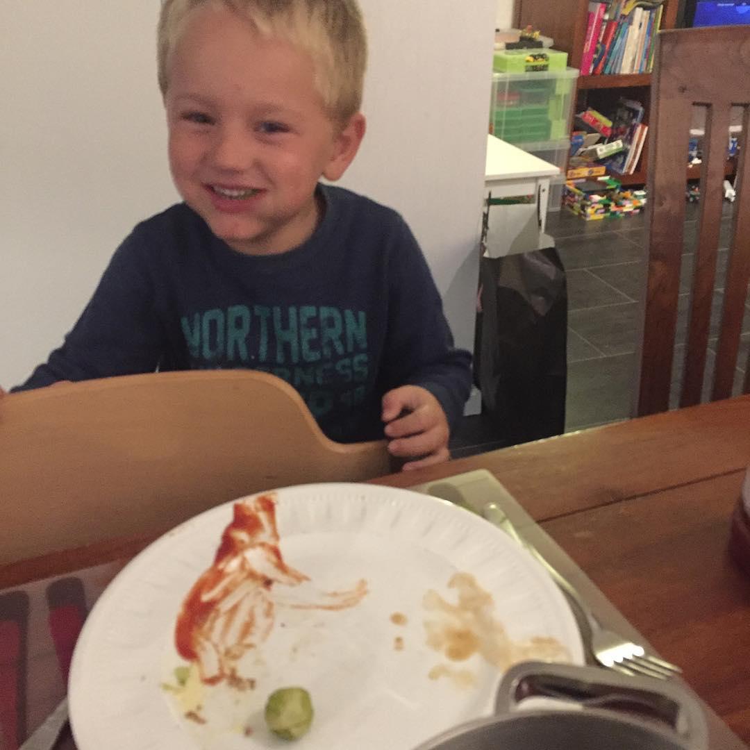#goedemorgen365 #simsalabim #boem we toveren de spruitjes op het bord en ze worden #heerlijk opgegeten