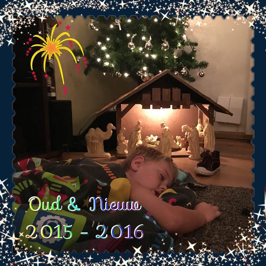 Kindje te groot voor #kerststal #oudjaarsavond #tms #weltrusten