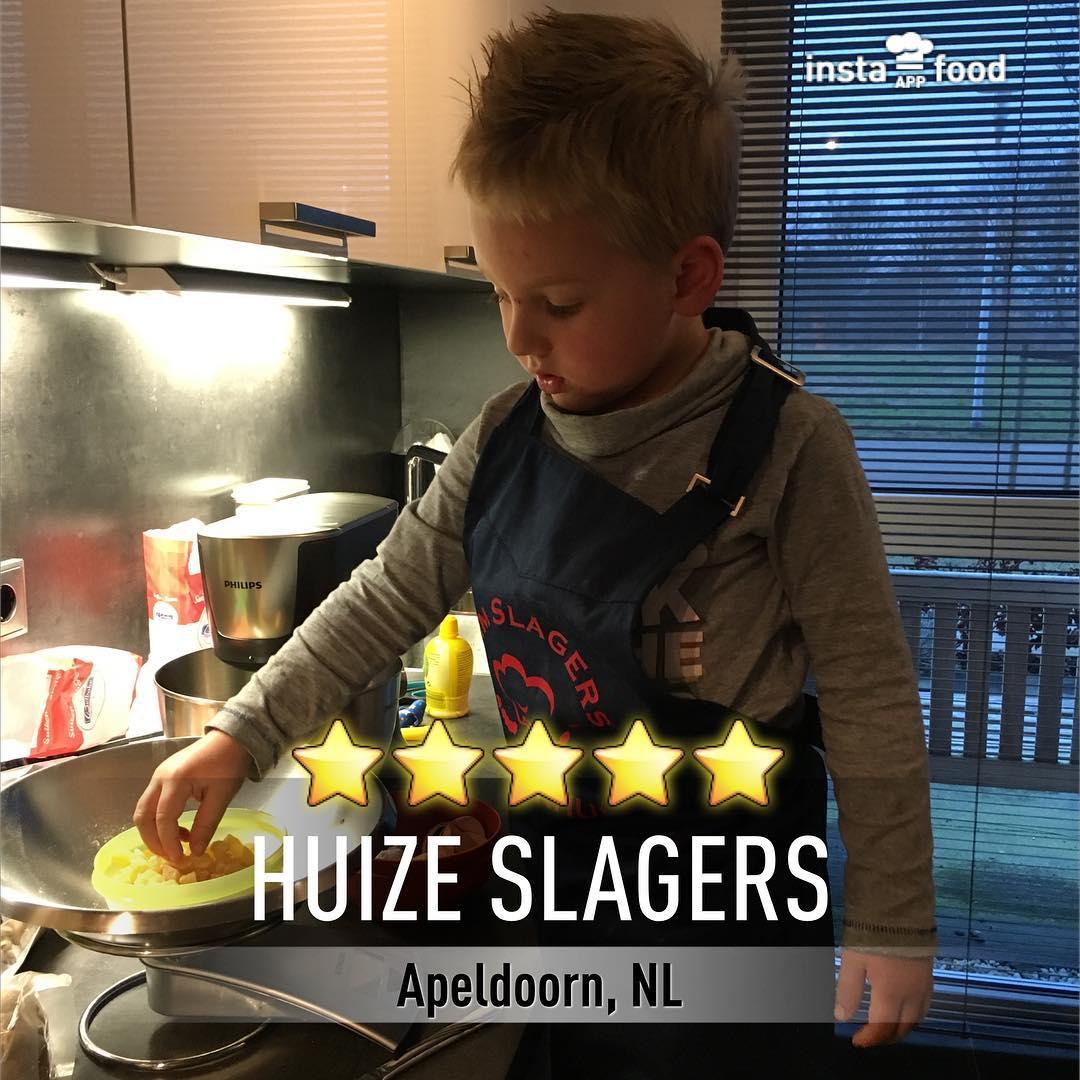 #goedemorgen365 #keukenhulp Tim helpt na het #handenwassen mee met #nougat maken #superhulpje