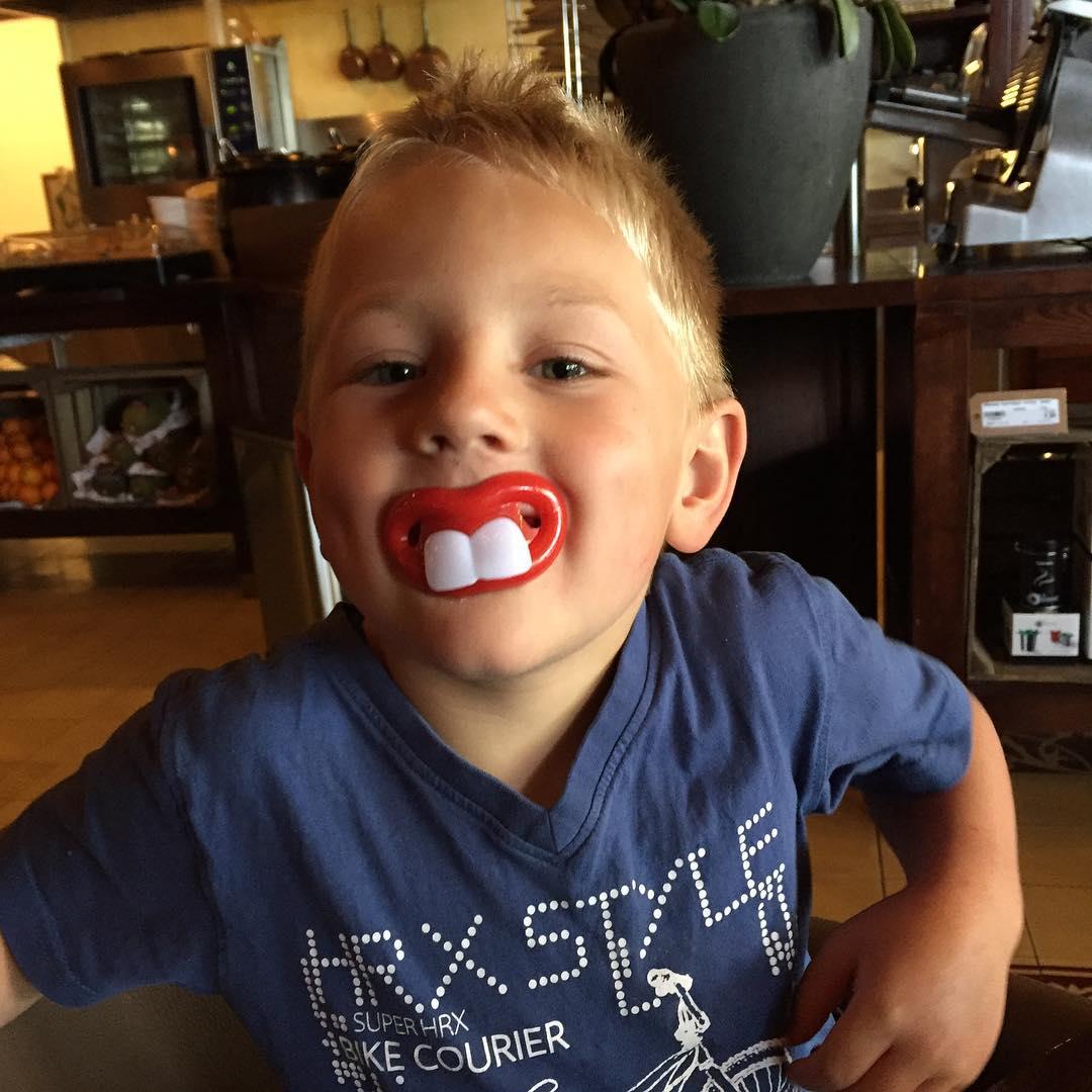 #tms nieuwe tanden voor Tim, dank je wel #hanos