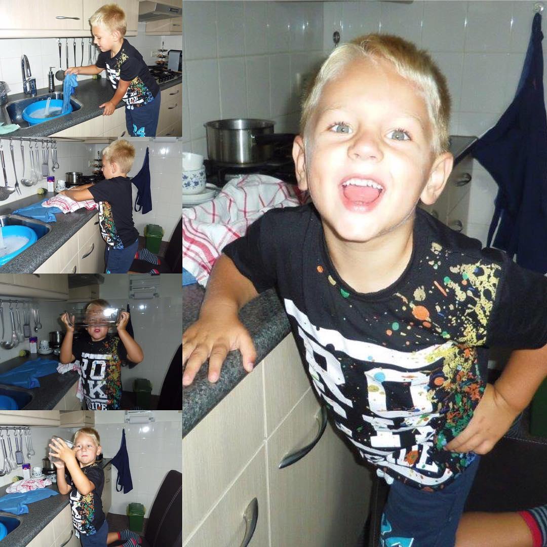#goedemorgen365 #logeren bij opa en oma is ook #helpen #afwassen thuis hebben we daar een machine voor.