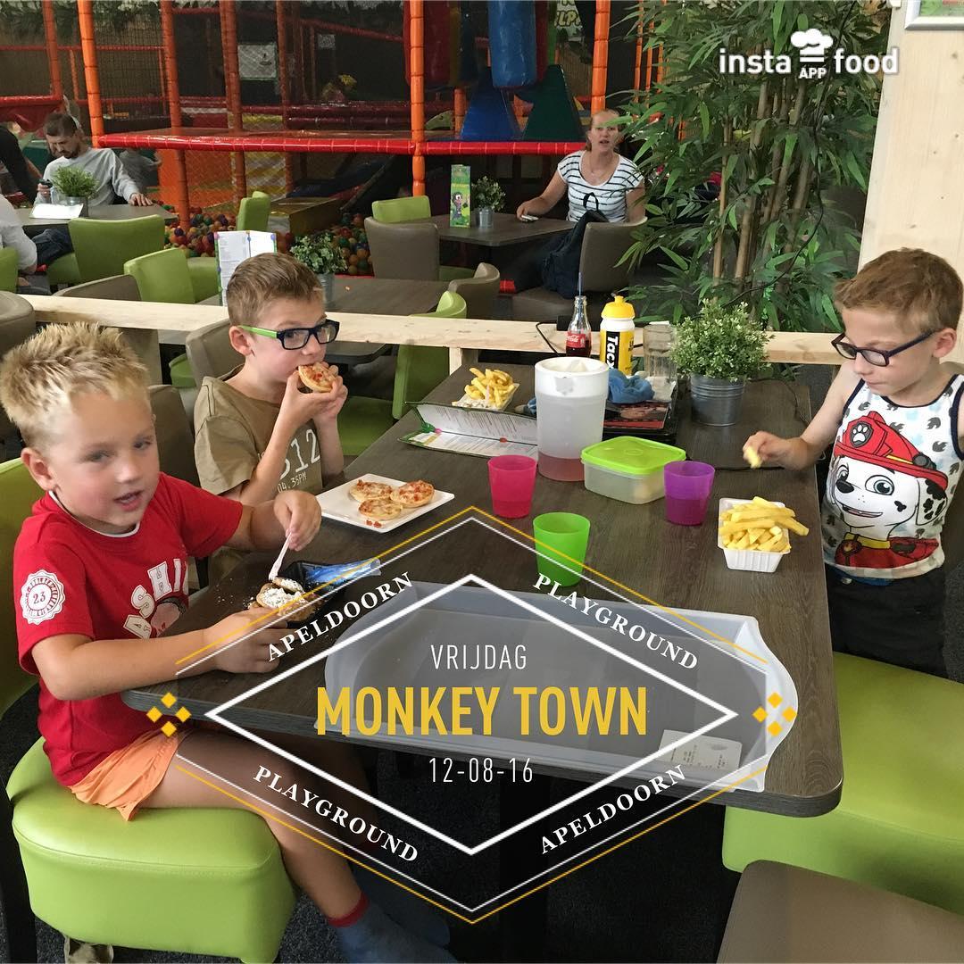 Alle drie wat #anders #lunch bij #monkeytown #tms