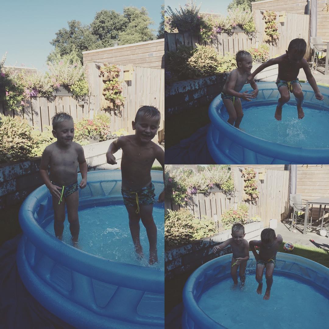 #goedemorgen365 lekker springen in het zwembad