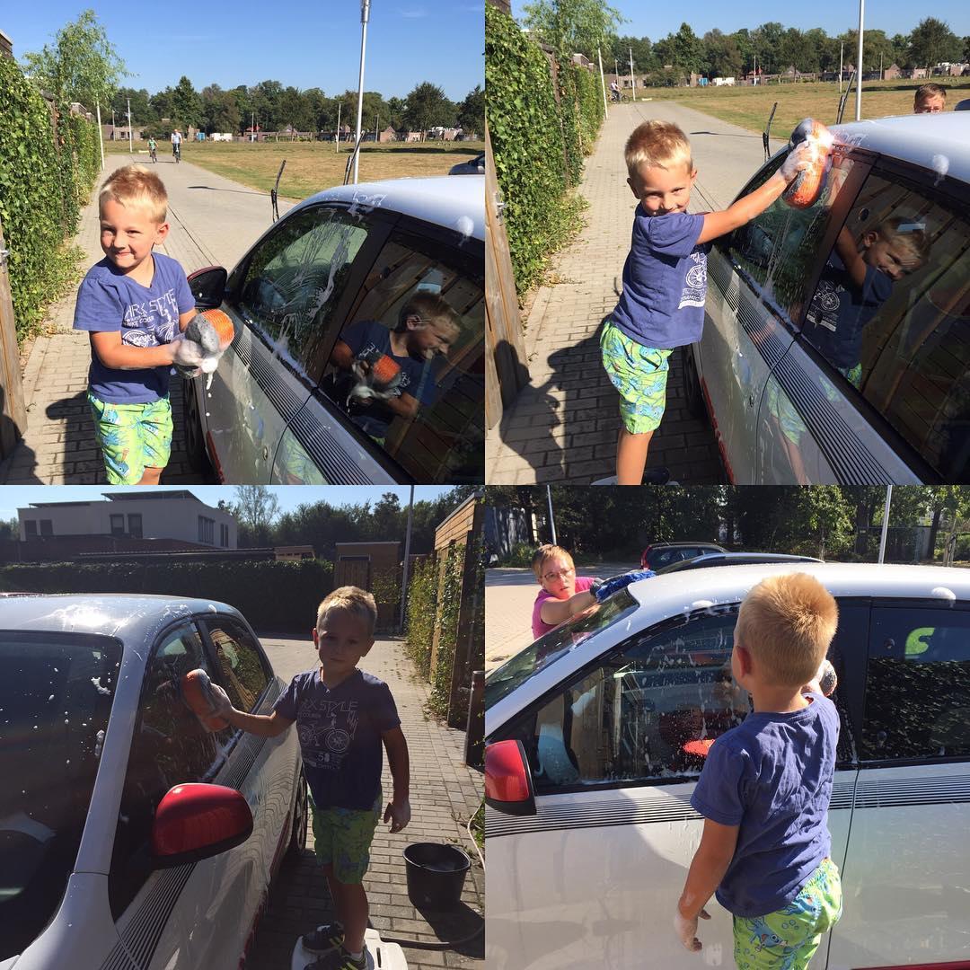#goedemorgen365 de auto van Mama wassen