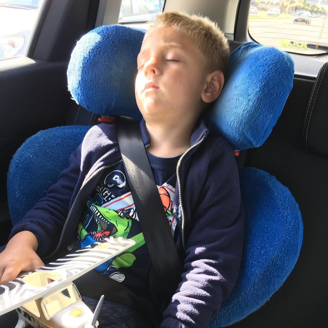Helemaal #moe na een dagje #diergaardeblijdorp #dutjedoen #tms